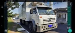 Caminhão modelo 15.180