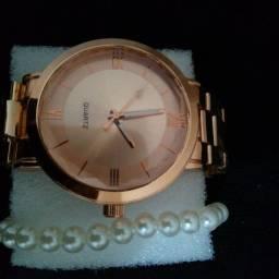 Lindos relógios dourados e rose ??R$35 no dinheiro.