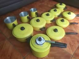 Panelas amarelas