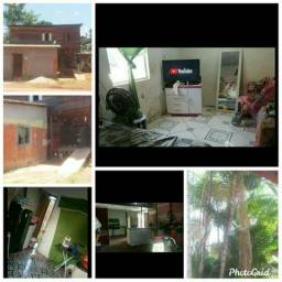 Vendo uma casa em santana, muito bem localizada!!!