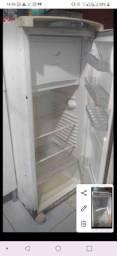 Geladeira frost free 230,00