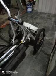 Bicicleta triciculo freecross, uma febre na Europa