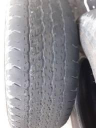Vd 2 pneus caminhonete meia vida