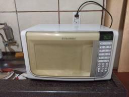 Microondas Electrolux 31 litos