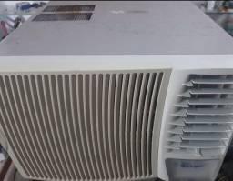 Título do anúncio: Ar-condicionado de janela 12000 Btu/h
