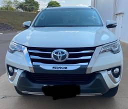 Toyota Hilux SW4 2017 7 lugares