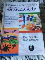 Livros de Educação infantil com atividades e contração de história