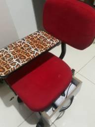 Cadeira de manicure com gaveta