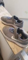 Tenis Infantil Nike Tam. 28 excelente estado
