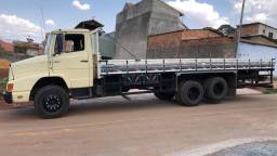 Caminhão 1618