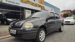 Título do anúncio: Clio sedan Rn 2002