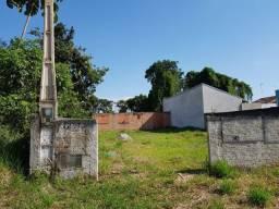 Terreno murado e aterrado localizado no Balneário Mariluz!