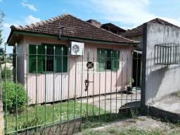 Título do anúncio: Casa de Madeira de dois dormitórios no Bairro Pres. João Goulart