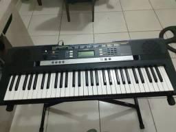 Vendo teclado Yamaha psr e243