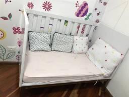 Berço/mini cama e cômoda Abracadabra