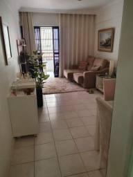 Apartamento 2 quartos c/ suíte e Dep. Completa no Costa Azul = Ótima Localização