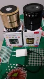 Duas caixinhas de som com bluetooth e radio