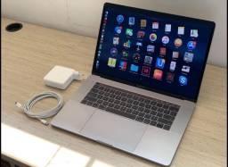 Apple MacBook Pro Touchbar 15 - i7 muito novo !