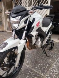Honda CB Twister 2016 segundo dono