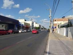 Título do anúncio: Alugo prédio na Avenida Guararapes (centro).