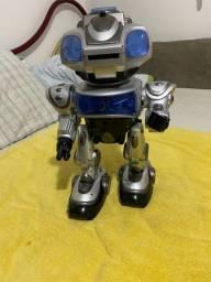 Robô grande