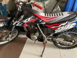 XR 200 - TRILHA