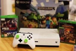 Xbox One S 500gb com 1 Contole + 2 Jogos