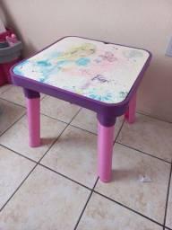 2 Mesa infantil