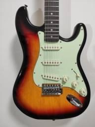 Título do anúncio: Guita Stratocaster Sx Vintage sunburst