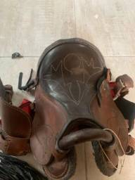 Sela de cavalo nova de couro