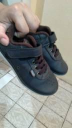 Vendo 3 pares de sapato numero 25
