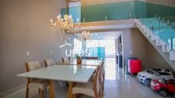 Título do anúncio: Casa térrea com sala de TV no mezanino,3 suites plenas, 220m² de area construida, piscina
