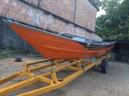Canoas é botes de alumínio