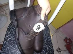 Vendo bota masculina n°42 por 60 reais