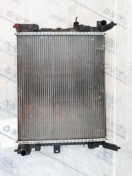 Radiador e condensador VERSA/MARCH