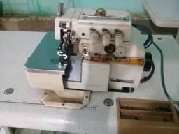 Vendo máquinas industriais com aparelhos maniquins fios tecidos modelagem *
