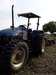 Trator agrícola de pneu