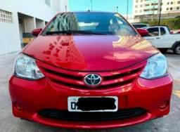 Toyota Etios Hatch 1.3x Flex. 2014/2014 Completo - 2014