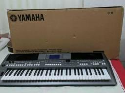 Teclado arranjador yamaha s670