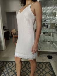 Vestido branco com franjas