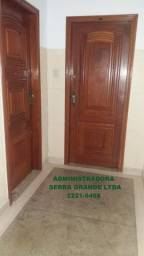 Aluga-se ótimo apto.de 03 quartos, Bairro de Fátima, elevador , frente e porteiro 24hs