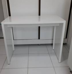 Mesa ou escrivaninha