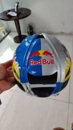 Título do anúncio: Capacete Red Bull