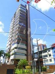 Ótima localização, amplo apartamento com 200m2, varanda, nascente, sala, lavabo, gabinete,