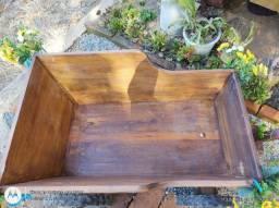 Charrete de madeira maciça