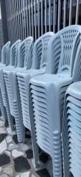 Chegou cadeira de plastica nova para restaurante no atacado
