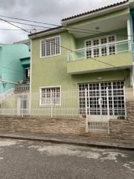 Casa de Vila na Rua Dom Hélder Câmara - 250 m² - 3 andares - 4 QTS - 2 suítes