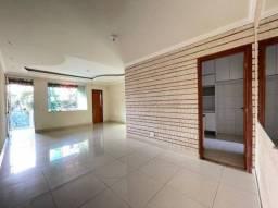 Casa com 3 Quartos e 2 banheiros à Venda, 180 m²