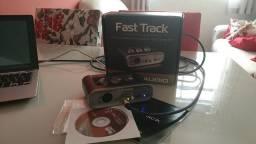 Interface de áudio M-Audio Fast Track com Caixa, Manuais e Pro Tools