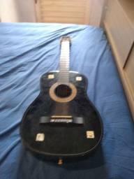 Estou vendendo este violão Austin